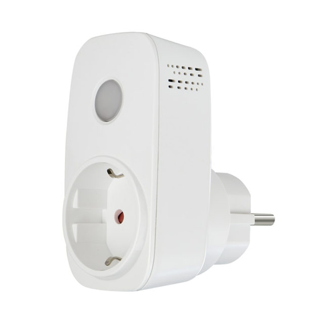 Wireless Smart Plug with Remote Control